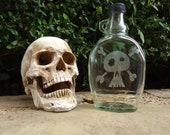 Skull & Crossbones Etched Glass Flask by ConversationGlass on UpcycleFever