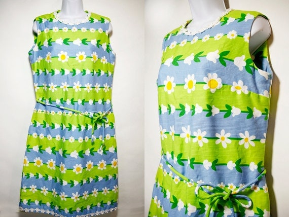 Reserved for Gabby----------------Vintage 70's Blue & Lime Green Daisy Flower Dress Matching Belt Sz.M/L