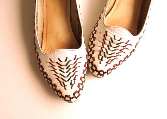 Vintage Leather Shoes Flats For Women Size 6.5 Woven Red White Blue Green Tribal Ethnic Style Circa 1980s