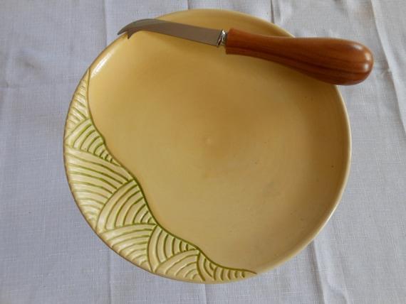plateau à fromage en terre, motifs vagues