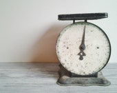 Vintage Green American Family 25 lb Scale