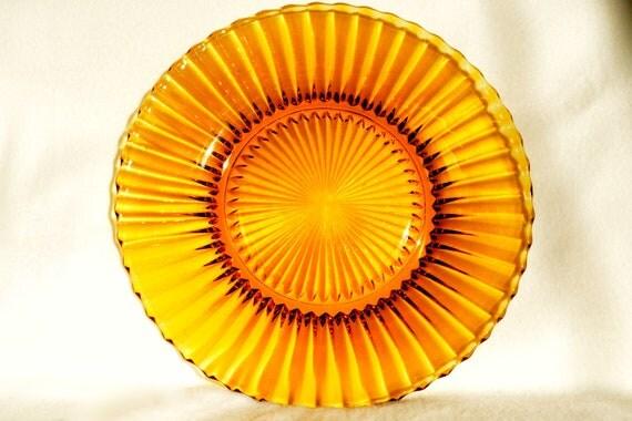 Amber-coloured glass serving plate/platter