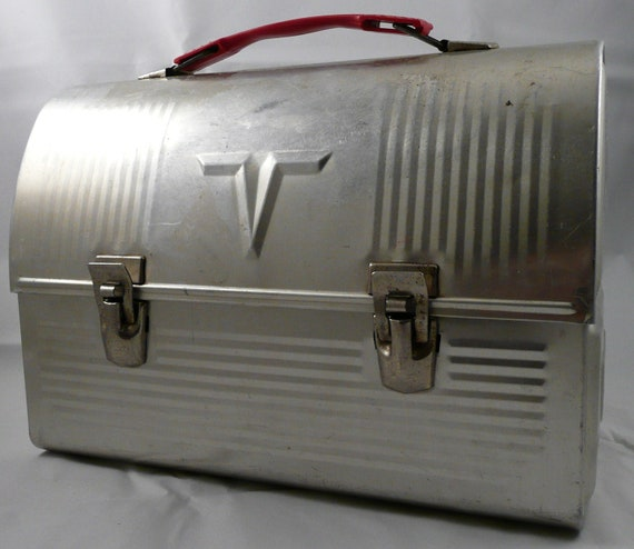 old fashioned lunch box with thermos 1