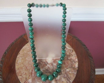 "Vintage 20"" Green Malachite Graduated Beaded Necklace"