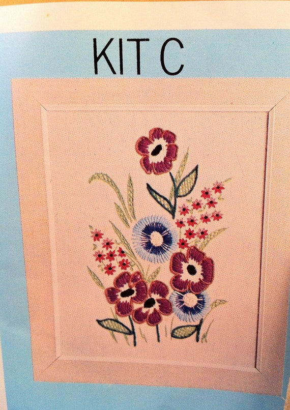 Vintage Crewel Embroidery Kit C Floral Bouquet 1970s Post Cereal Mail Order Retro Cool