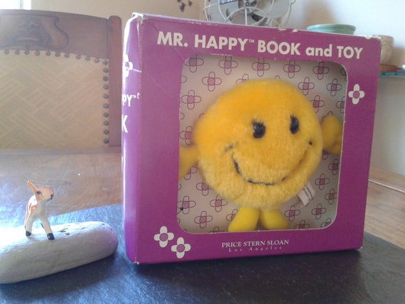 mr happy book and toy by Roger Hargreaves: 90s boxed gift set of little miss and mr. men for Valentine or anti valentine