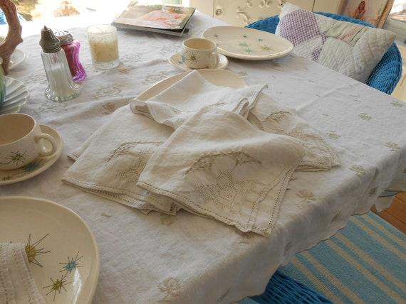 Vintage Cloth Napkin Set