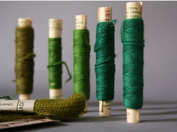 Vintage Green 100% Wool Yarn Thread Cards Crewel Needlepoint Tapestry Darning Mending Hand Embroidery Needle Work Skeins