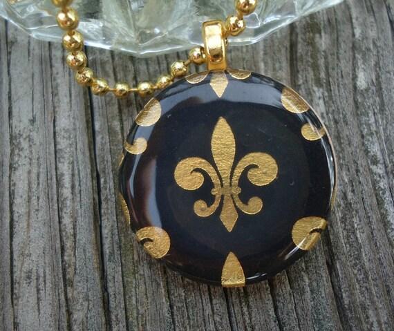 Shiny Black and Gold Fleur de Lis Round Wood Pendant
