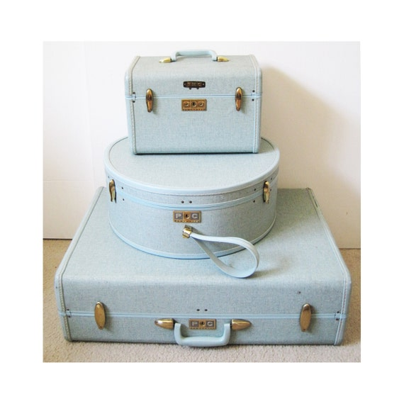 light blue 1960's vintage Samsonite luggage set suitcase hat box and carry on