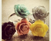 Roses cabochon adjustable ring