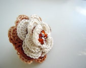 Vanilla cream crochet flower ring with  glass beads in the center. Crochet ring. Woman accessories