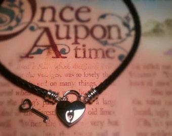 Heart Pad Lock Collar
