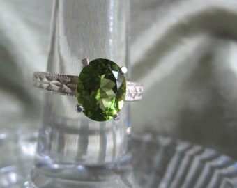 Oval Parrot Green Peridot Ring
