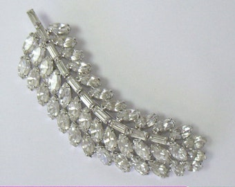 Vintage WARNER Baguette Rhinestone Feather Brooch Pin