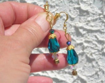 Elegant Victorian style capped turquoise-EMERALD c. tear drop & aurora borealis Swarovski CRYSTAL beads earrings.
