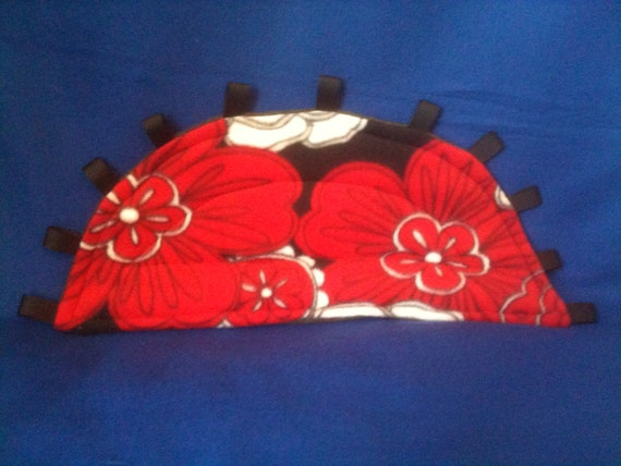 Blk Wht and Red Island Flowers Allover Print Drip Pad Lap Pad Their Pad with smoky gray fleece on back
