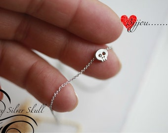 Celebrity Necklace - Tiny Silver skull necklace - Small skull necklace - Tiny Skull