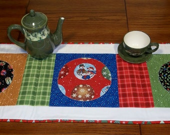 Simply Snowmen - Christmas Table Runner