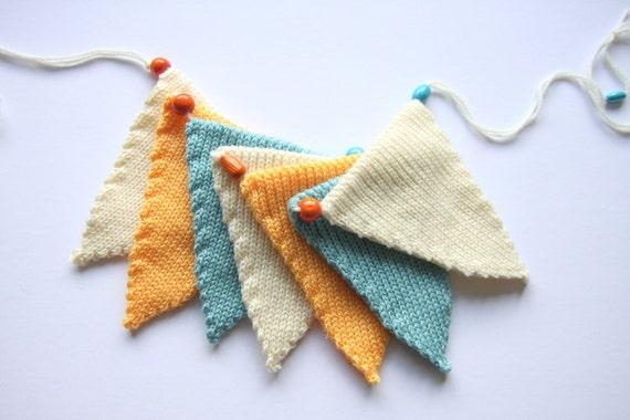 Knitted Cream, Blue, Peach Bunting/Banner - 3 feet 7 flags