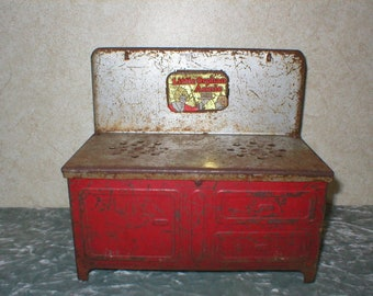 1930's Little Orphan Annie Toy Metal Stove