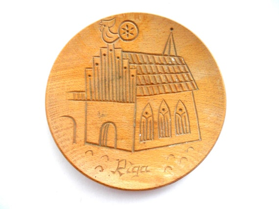 Soviet vintage wooden decorative plate with engraving of Riga Dome Cathedral, 1970's, vintage home decor