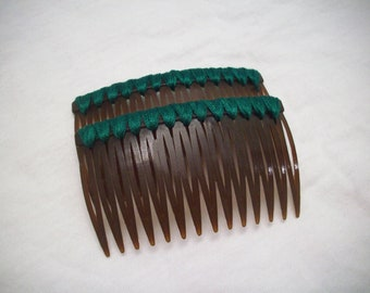 Dark Green Embroidery Thread on Brown Hair Combs