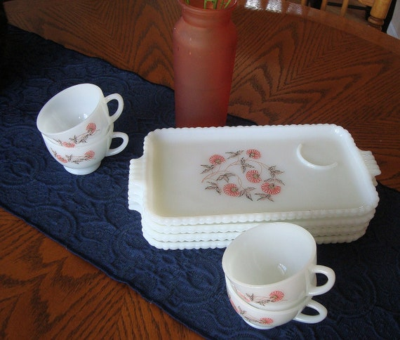 Vintage Retro Luncheon Plates and Cups