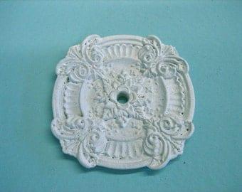 Dollhouse Miniature Ceiling Medallion