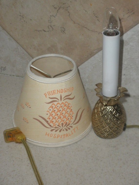 Retro Pineapple Base Small Lamp with Shade