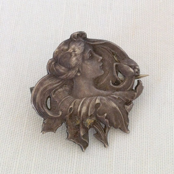 Vintage Victorian Lady With a Rose Brooch Pin in Silver // Antique Vintage Brooch Pin // Silver Brooch Pin