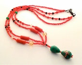 An Elegant Red/JadeOriental Inspired Women's Necklace