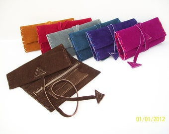Handstitched leather tobacco pouch avaliable in seven colors.