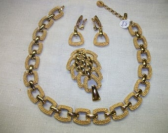 3 pc set Monet goldtone necklace, earrings and brooch 1960's