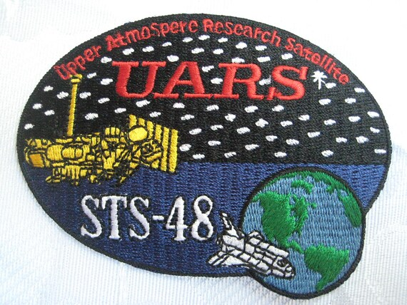 Vintage 1991 Official NASA Patch UARS STS-48 by missussewnsew
