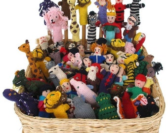 lot of 25 Handknitted Finger Puppets Peru NEW