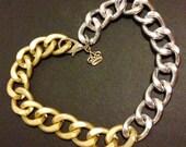 Chunky two-tone matte chain bracelet.