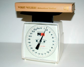 Vintage Hanson Kitchen Postal Scale Up to 25 Pounds 1960s