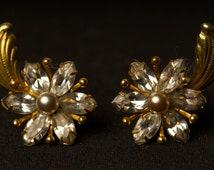 Vintage Signed Amco 12 Karat gold filled Flower Screw Back Earrings