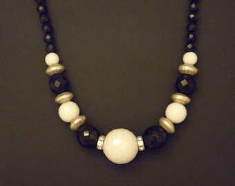 Bold black and White beaded necklace