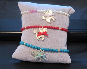 natural stone bracelet with kitty charm