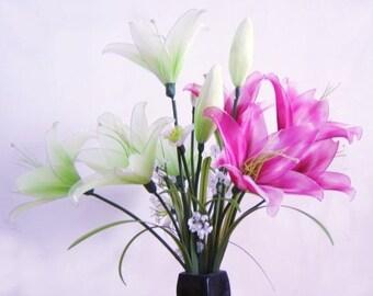 Nylon Flower Lily Arrangement (Vase not included)
