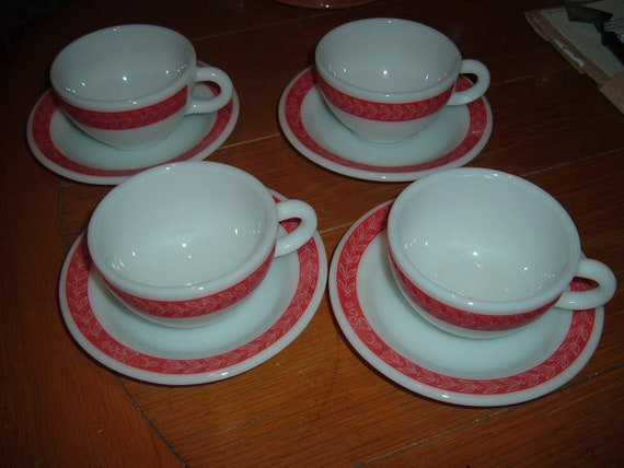 Pyrex set of four cups & saucers w red trim