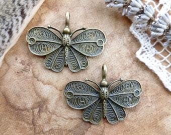 2x Pretty Moth Pendant Charms, Antique Brass Pendants C191