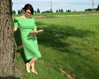 Vintage Green ANNE FOGARTY Shift Dress with Bow Detailing