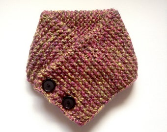 Hand knitted scarf with buttons