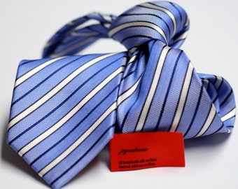 Silk Tie (3inch) in Stripes with Blue and White