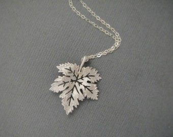 Maple Leaf Necklace in STERLING SILVER Chain--Everyday Necklace-Perfect Gift for mom for friends,Birthday Present