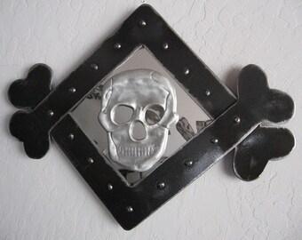 Skull & Crossbones Wall Art
