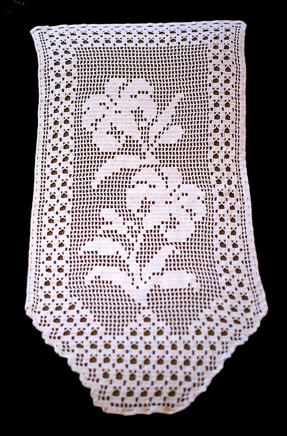 Vintage Crocheted Window Valance floral pattern flower